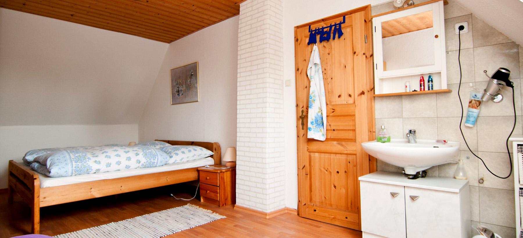 schlafzimmer 2 ferienhaus papenburg aschendorf. Black Bedroom Furniture Sets. Home Design Ideas